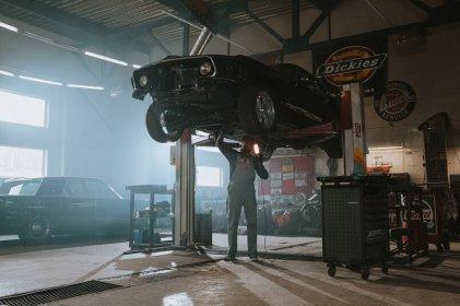Narzędzia niezbędne do warsztatu samochodowego