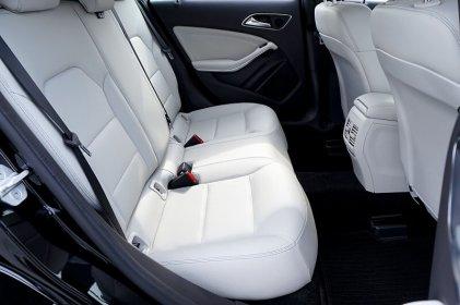 Jak zabrać się za demontaż tapicerki w samochodzie?