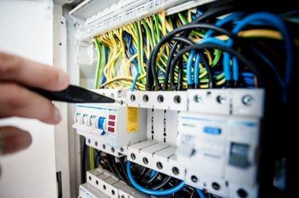 Niezbędny zestaw narzędzi dla elektryka