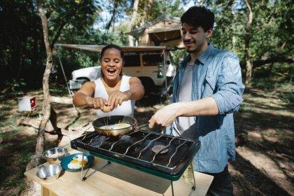 Gotowanie na campingu – jaka kuchenka turystyczna będzie najlepsza?